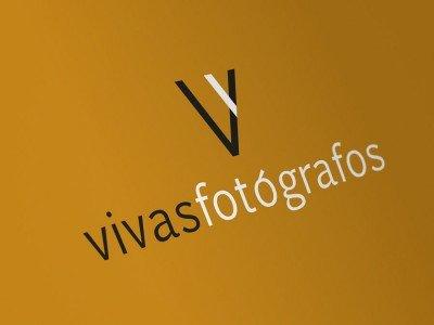 logotipo vivas fotógrafos manises